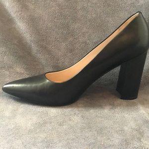 Nine west pointed heel pump